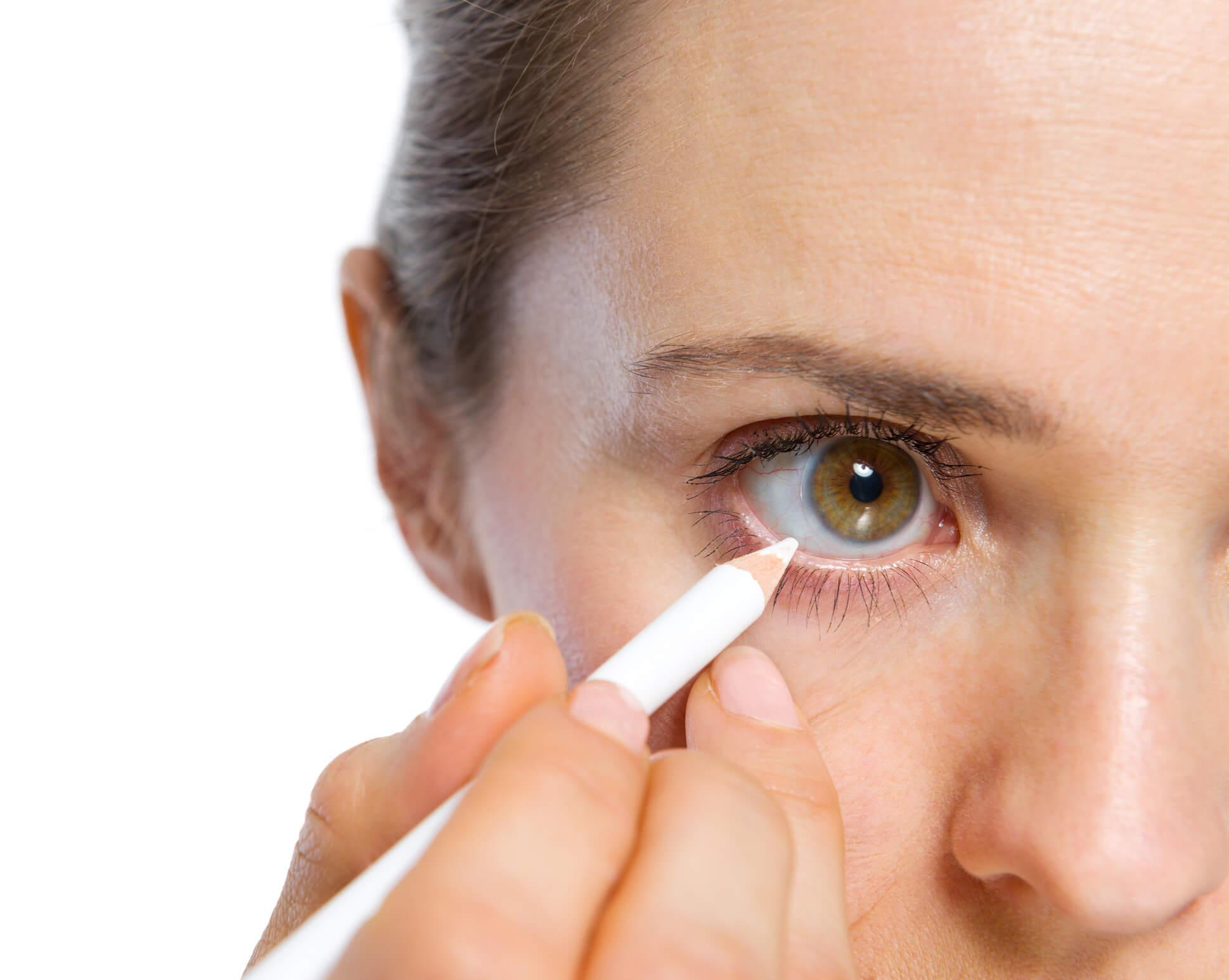 Beyaz Göz Kalemi İle Daha Güzel Görünün