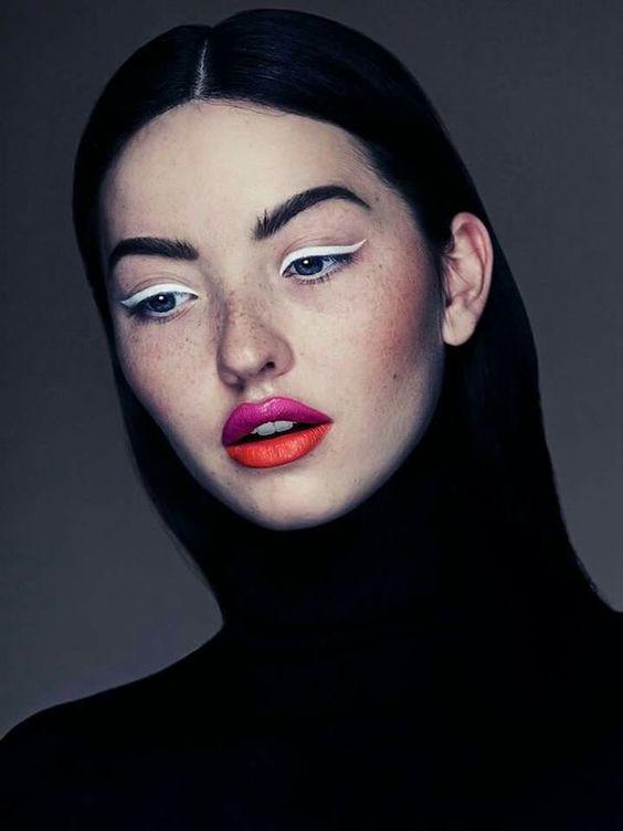 Trend Alarmı: Beyaz Eyeliner Trendini İnceliyoruz